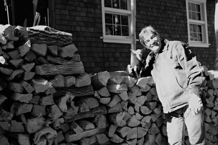 fernando-dan-dad-firewood-cabin-black-white